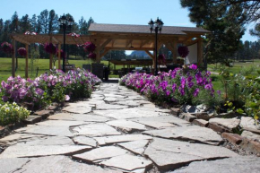 Whispering Winds Cottages & Campsites