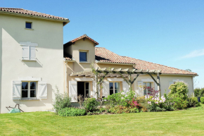 Villa for 6 Persons in Rouzède