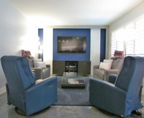 Contemporary 2BR, Walk to Old Town Scottsdale